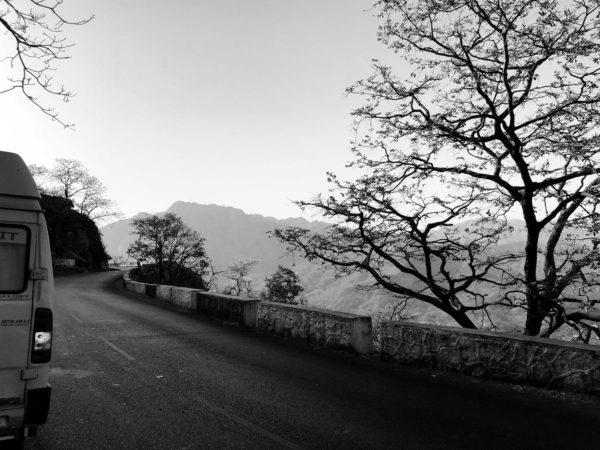 <span>Mount Abu</span><i>→</i>