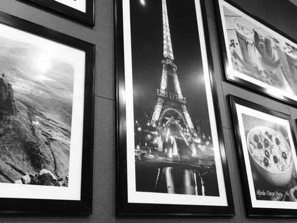 <span>Eiffel Tower</span><i>→</i>