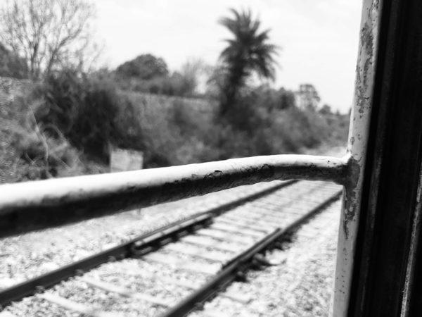 <span>A Journey Window</span><i>→</i>